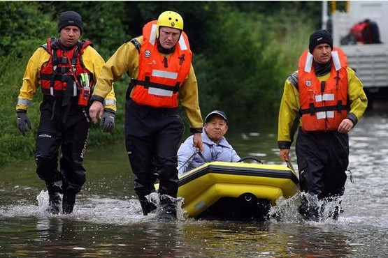 Emergency services in 2007 floods