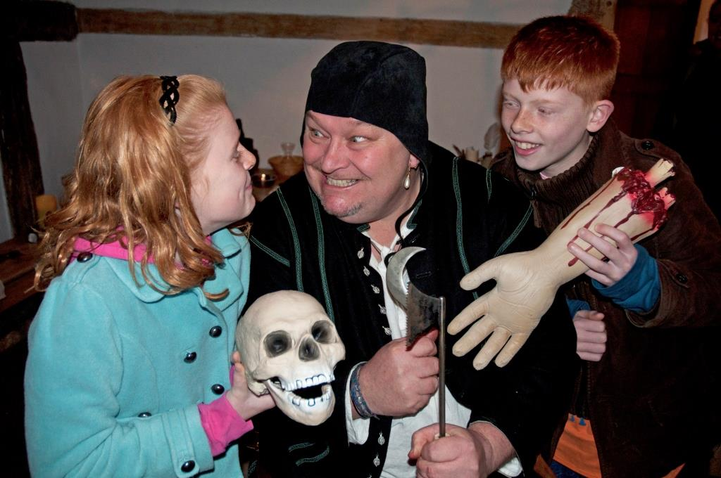 The Medieval Barber Surgeon: Discover the horrors of 15th century medicine!